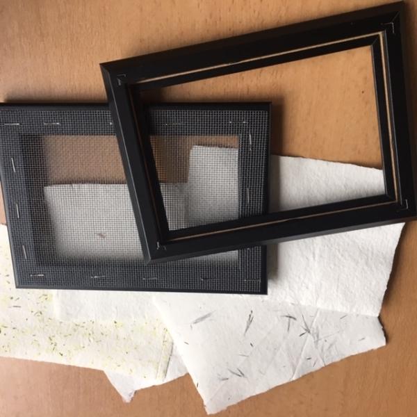 schepraam om zelf papier te scheppen, klein